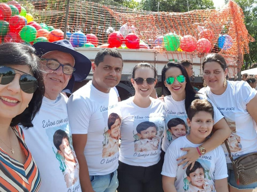 Caravana do Amor distribui brinquedos em Taquaritinga